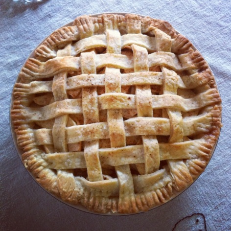 this is the apple pie i baked with my mom on thanksgiving... it was more than delish.